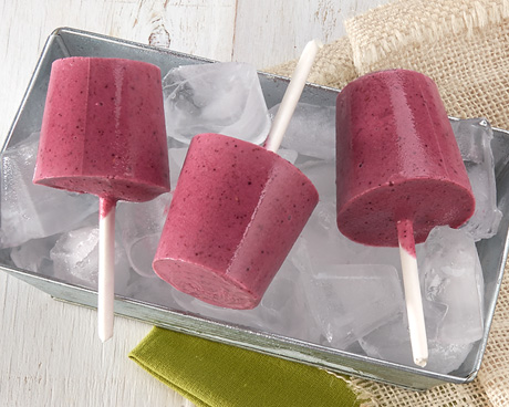 Frozen Yogurt Berry Pops
